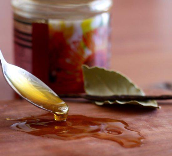 Fynbos honey with vanilla pod and bay leaf